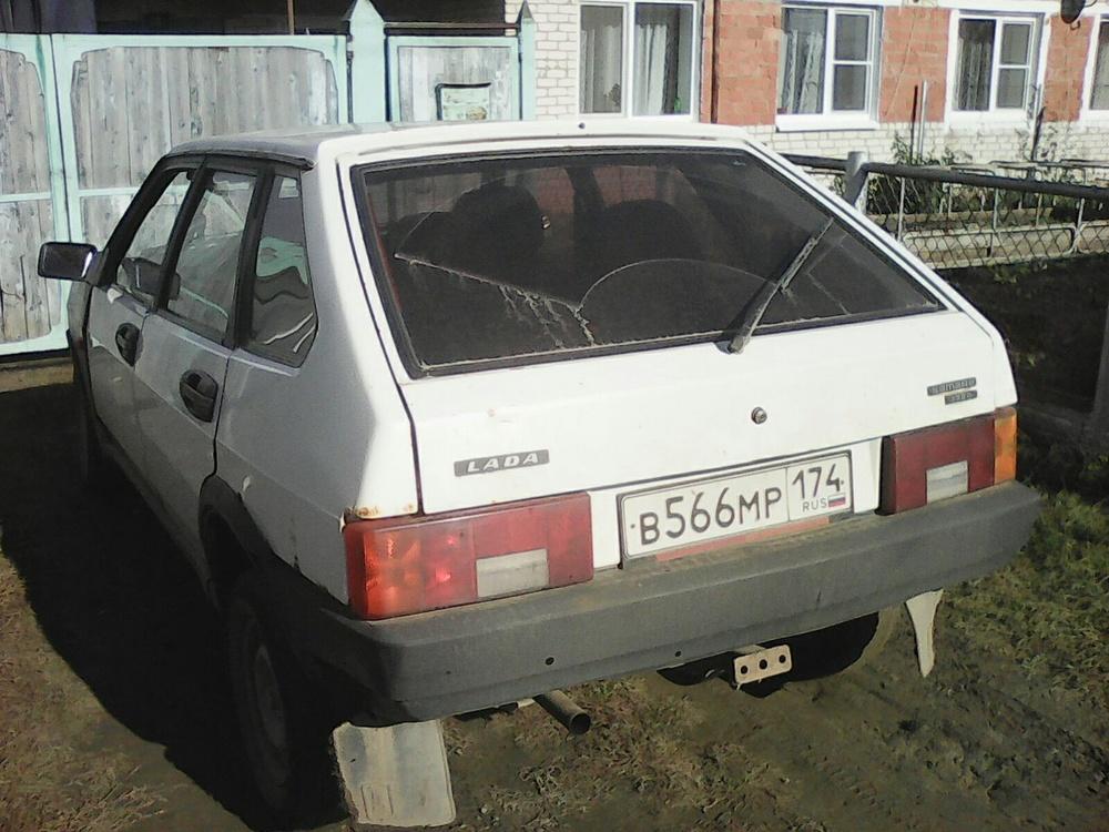 Подержанный ВАЗ (Lada) 2109, среднее состояние, белый , 1994 года выпуска, цена 25 000 руб. в Челябинской области