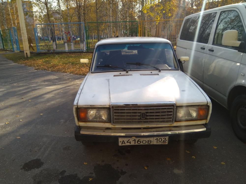 Подержанный ВАЗ (Lada) 2107, хорошее состояние, белый , 2007 года выпуска, цена 60 000 руб. в ао. Ханты-Мансийском Автономном округе - Югре