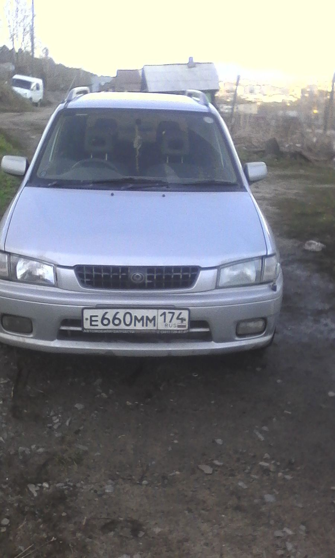 Подержанный Mazda Demio, хорошее состояние, серебряный , 1999 года выпуска, цена 110 000 руб. в Челябинской области