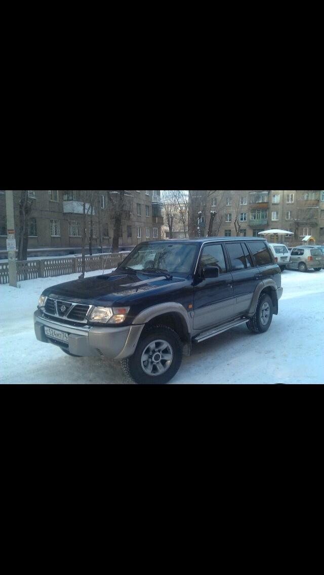 Подержанный Nissan Patrol, отличное состояние, синий , 2001 года выпуска, цена 700 000 руб. в Челябинской области