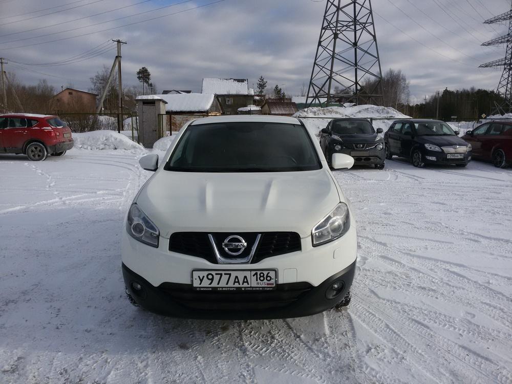 Подержанный Nissan Qashqai, отличное состояние, белый , 2012 года выпуска, цена 800 000 руб. в ао. Ханты-Мансийском Автономном округе - Югре