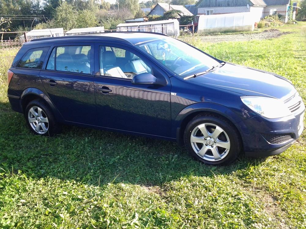 Подержанный Opel Astra, хорошее состояние, фиолетовый , 2009 года выпуска, цена 365 000 руб. в Смоленской области