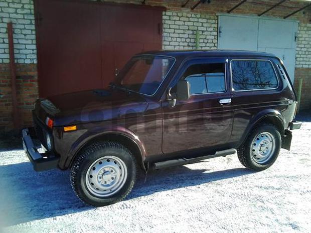 Подержанный ВАЗ (Lada) 4x4, хорошее состояние, бордовый металлик, 2006 года выпуска, цена 170 000 руб. в Челябинской области