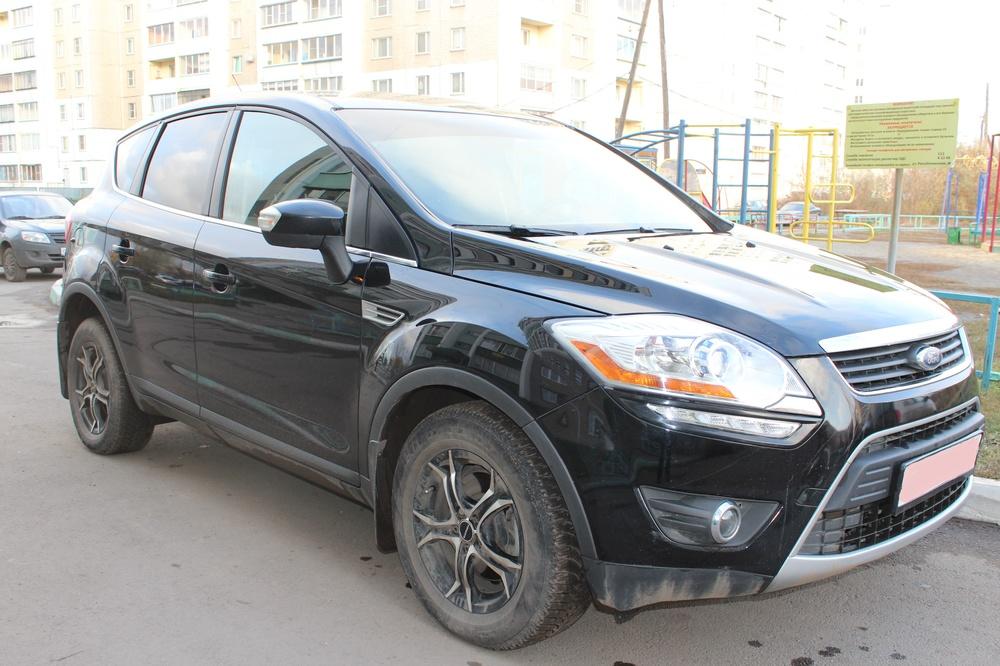 Подержанный Ford Kuga, отличное состояние, черный металлик, 2012 года выпуска, цена 950 000 руб. в Челябинской области