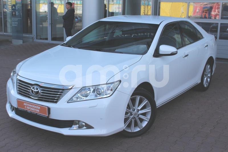 Toyota Camry с пробегом, белый матовый, отличное состояние, 2013 года выпуска, цена 1 199 000 руб. в автосалоне  ()