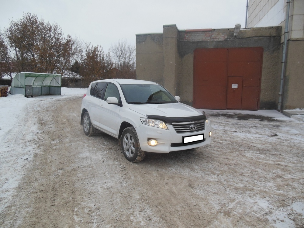 Toyota RAV4 с пробегом, белый , отличное состояние, 2010 года выпуска, цена 958 000 руб. в автосалоне  ()