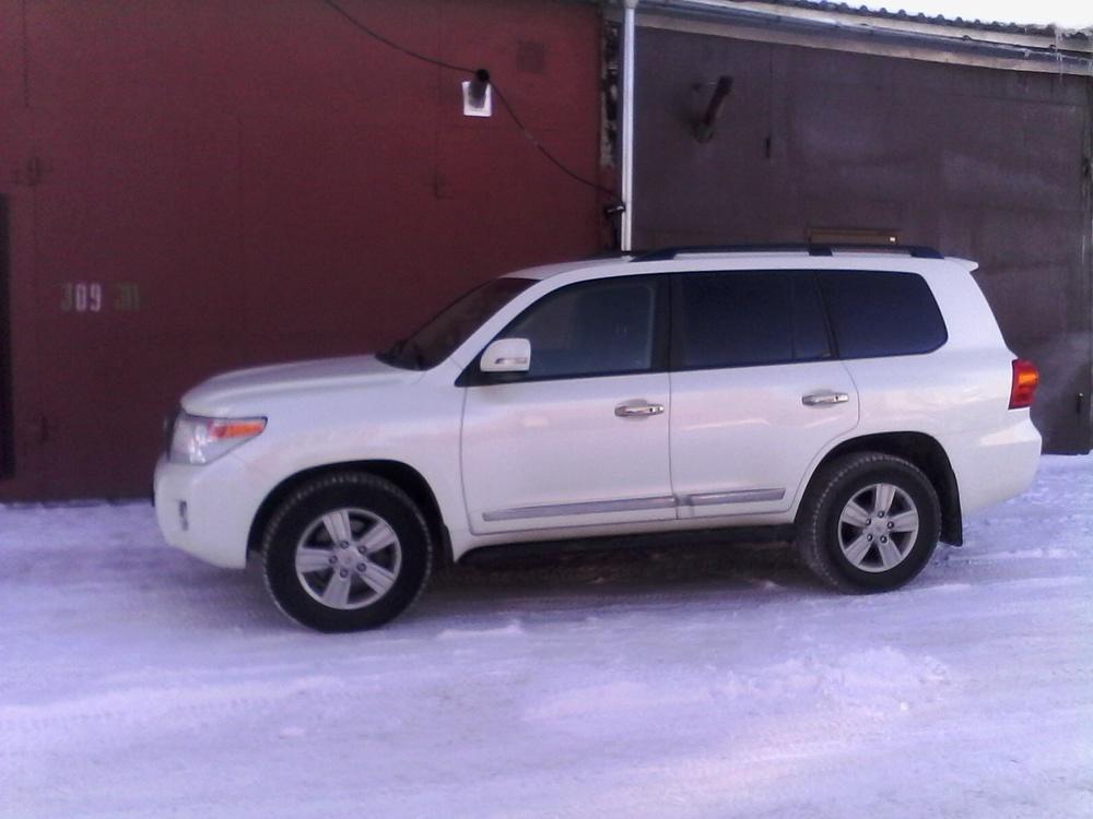 Подержанный Toyota Land Cruiser, отличное состояние, белый перламутр, 2012 года выпуска, цена 2 700 000 руб. в ао. Ханты-Мансийском Автономном округе - Югре