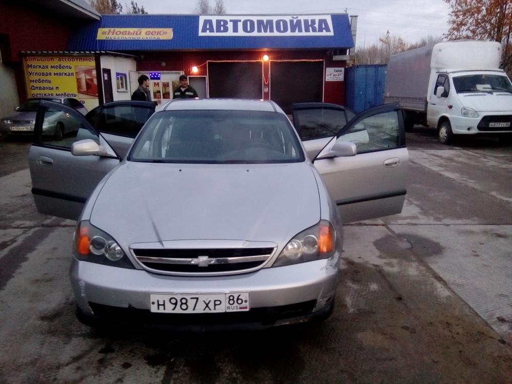 Подержанный Chevrolet Evanda, хорошее состояние, серебряный , 2004 года выпуска, цена 150 000 руб. в ао. Ханты-Мансийском Автономном округе - Югре