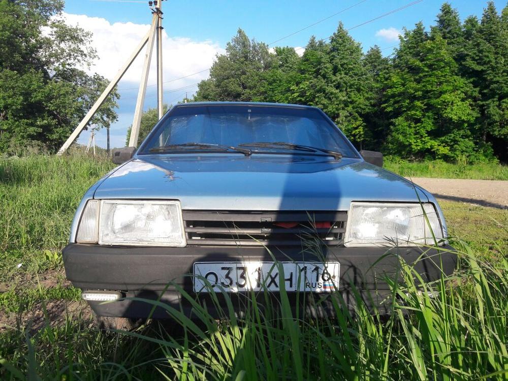 Подержанный ВАЗ (Lada) 2109, хорошее состояние, мокрый асфальт , 2003 года выпуска, цена 86 000 руб. в республике Татарстане