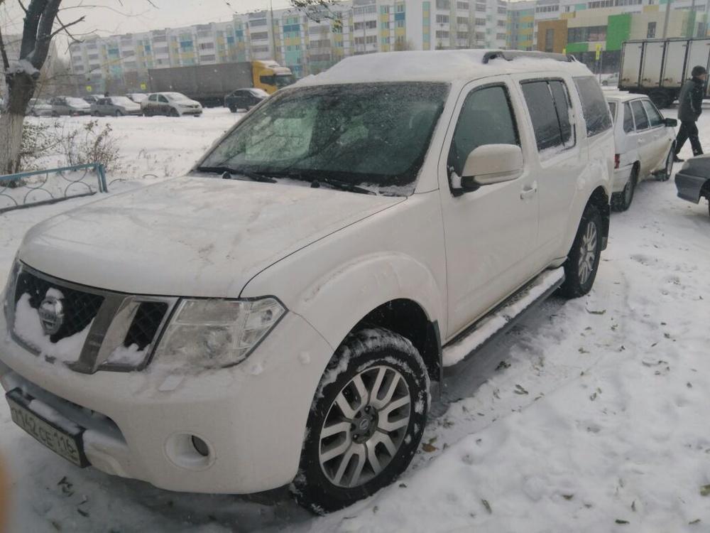 Подержанный Nissan Pathfinder, отличное состояние, белый , 2014 года выпуска, цена 1 700 000 руб. в республике Татарстане