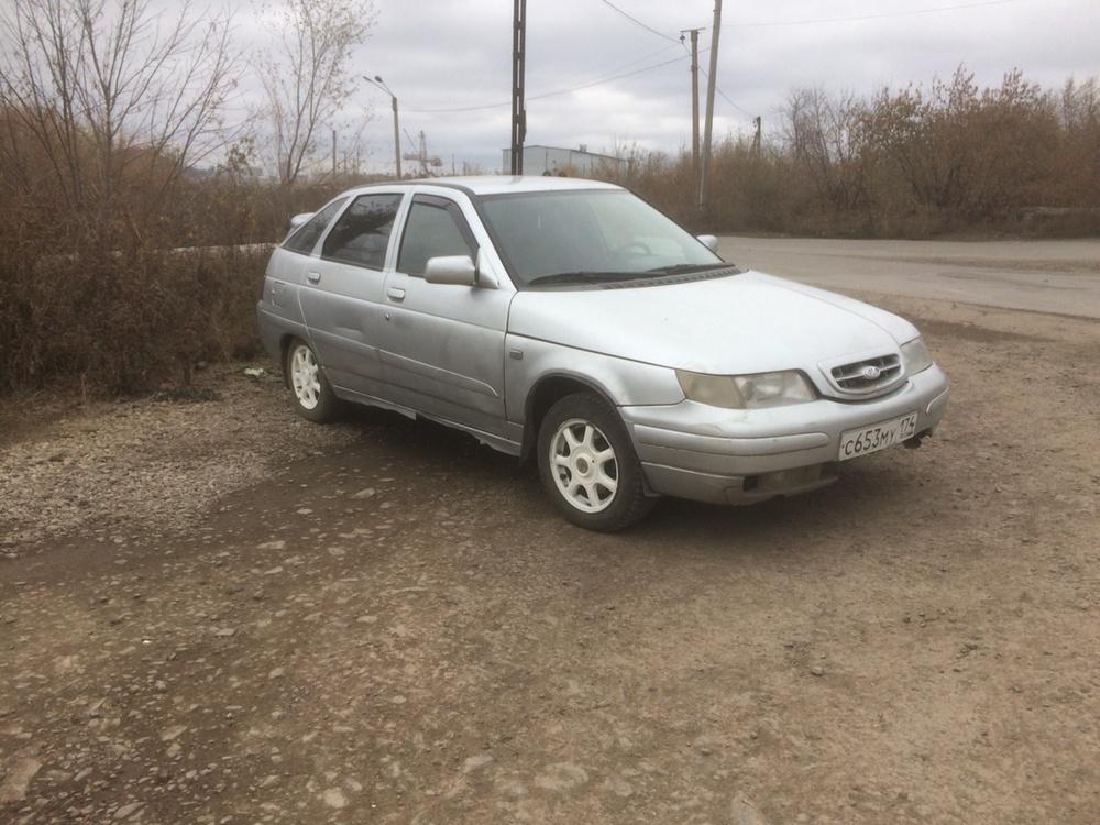 Подержанный ВАЗ (Lada) 2112, среднее состояние, серебряный , 2002 года выпуска, цена 65 000 руб. в Челябинской области