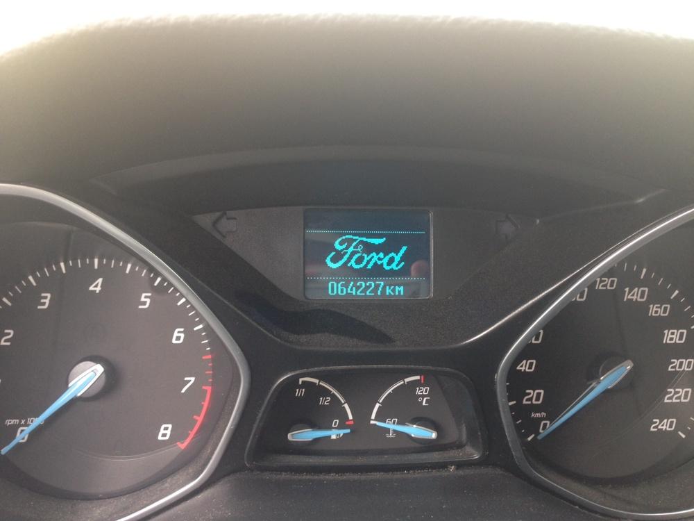 Подержанный Ford Focus, хорошее состояние, белый , 2012 года выпуска, цена 480 000 руб. в ао. Ханты-Мансийском Автономном округе - Югре