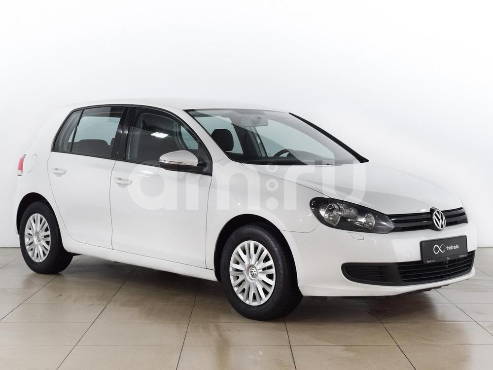 Volkswagen Golf с пробегом, белый , отличное состояние, 2011 года выпуска, цена 499 000 руб. в автосалоне  ()