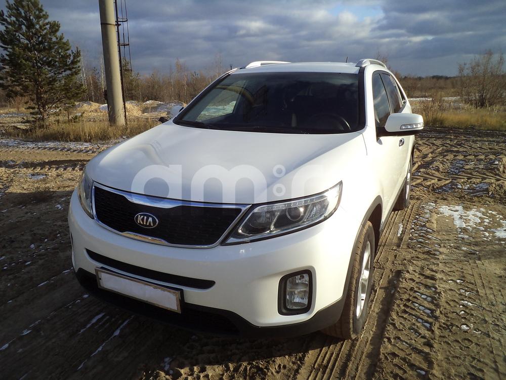 Подержанный Kia Sorento, отличное состояние, белый перламутр, 2013 года выпуска, цена 1 220 000 руб. в ао. Ханты-Мансийском Автономном округе - Югре