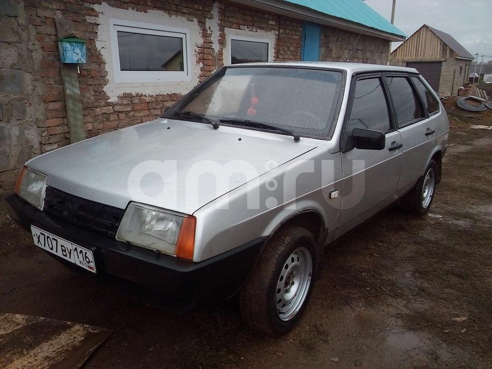 Подержанный ВАЗ (Lada) 2109, хорошее состояние, серебряный металлик, 2001 года выпуска, цена 65 000 руб. в республике Татарстане