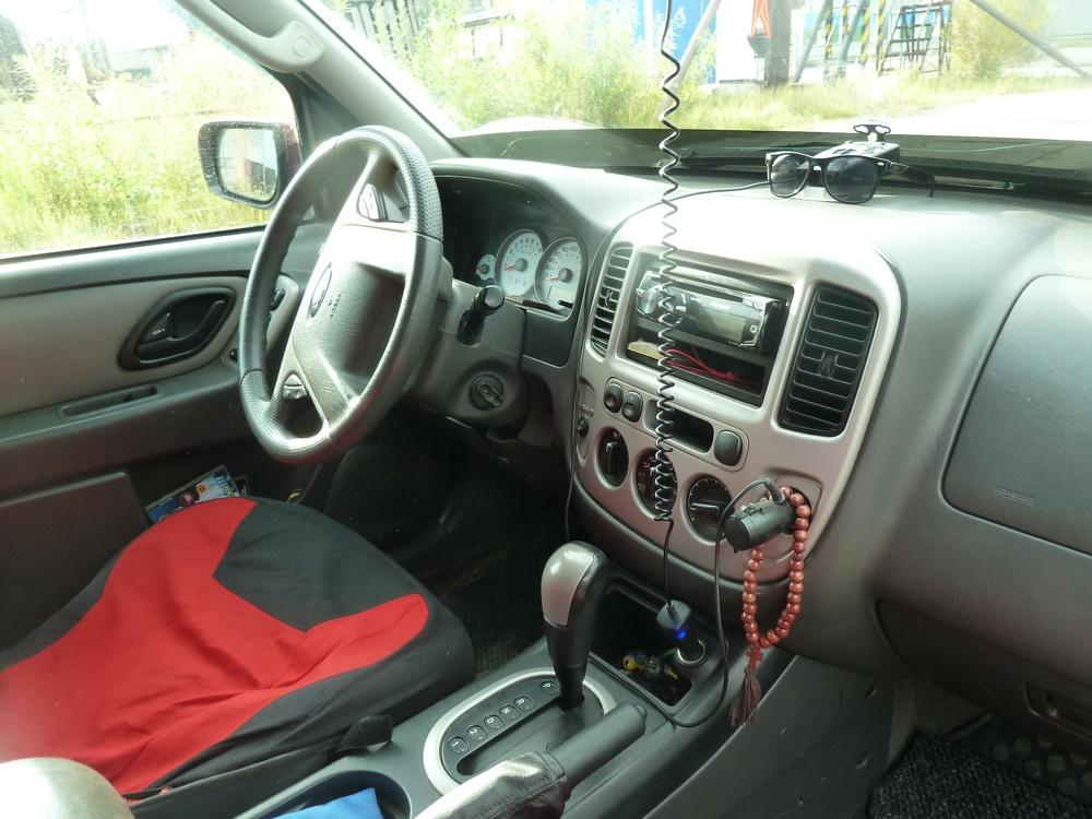 Подержанный Ford Escape, хорошее состояние, бордовый металлик, 2005 года выпуска, цена 450 000 руб. в ао. Ханты-Мансийском Автономном округе - Югре