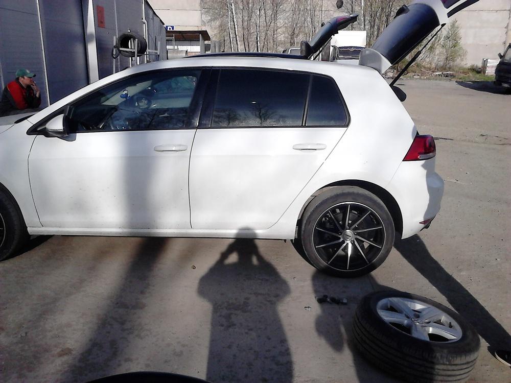Подержанный Volkswagen Golf, отличное состояние, белый , 2013 года выпуска, цена 815 000 руб. в Челябинской области