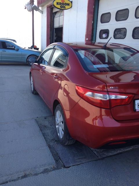 Подержанный Kia Rio, отличное состояние, красный металлик, 2012 года выпуска, цена 530 000 руб. в ао. Ханты-Мансийском Автономном округе - Югре