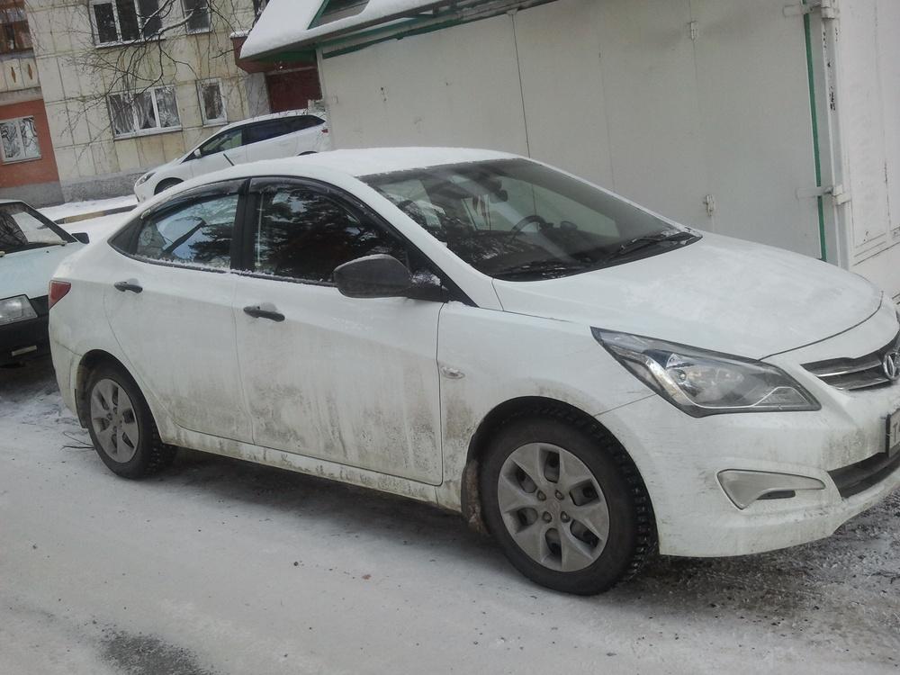 Подержанный Hyundai Solaris, отличное состояние, белый , 2014 года выпуска, цена 470 000 руб. в Челябинской области