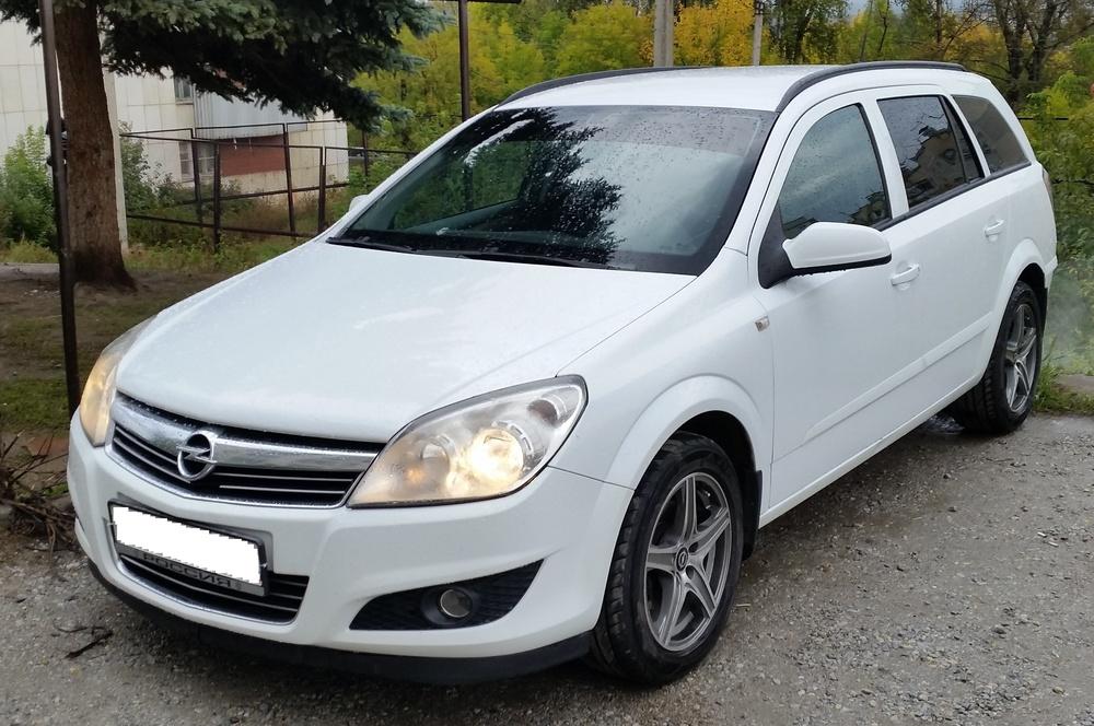 Подержанный Opel Astra, отличное состояние, белый металлик, 2008 года выпуска, цена 360 000 руб. в Челябинской области