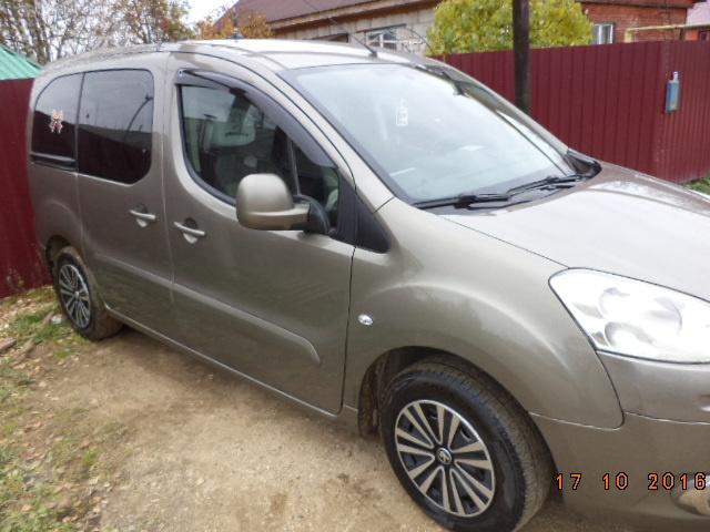 Подержанный Peugeot Partner, отличное состояние, коричневый , 2013 года выпуска, цена 520 000 руб. в Смоленской области