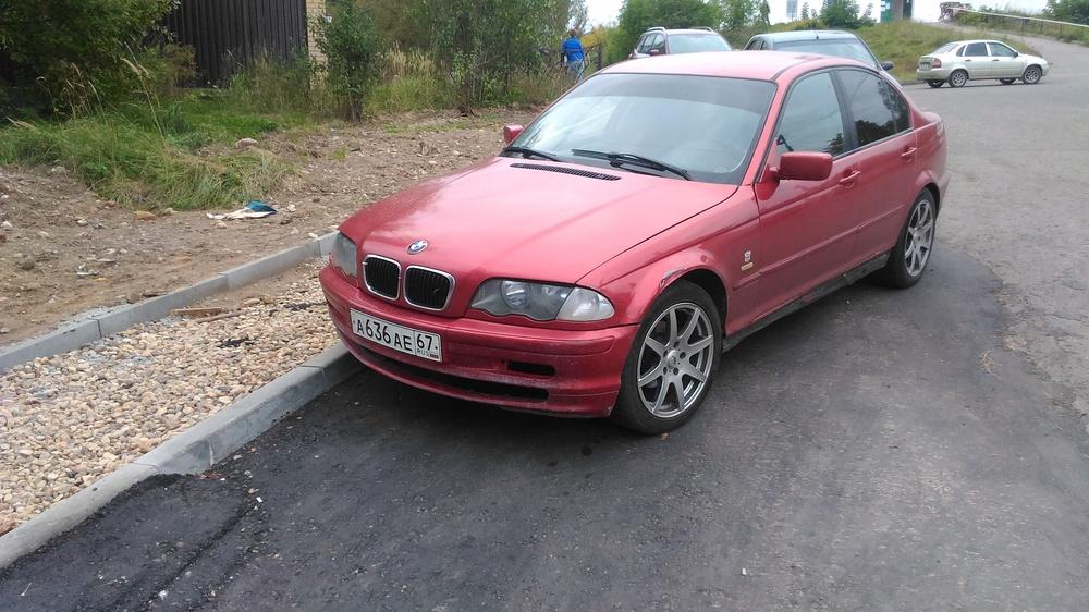 Подержанный BMW 3 серия, среднее состояние, красный металлик, 2000 года выпуска, цена 220 000 руб. в Смоленской области
