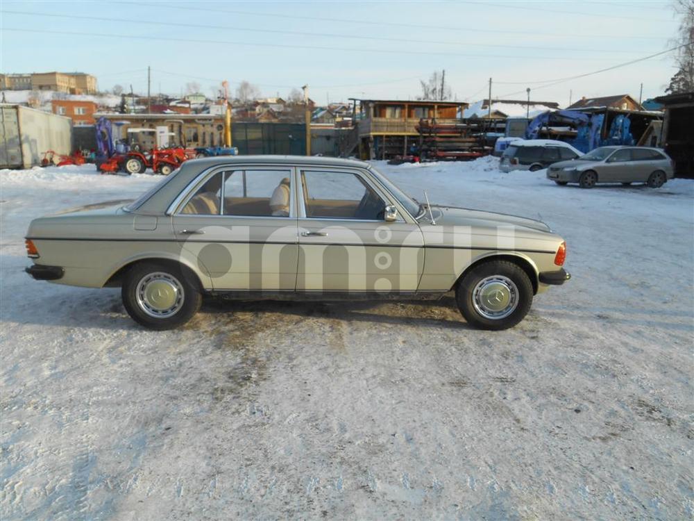 Подержанный Mercedes-Benz E-Класс, отличное состояние, сафари матовый, 1982 года выпуска, цена 500 000 руб. в Челябинской области