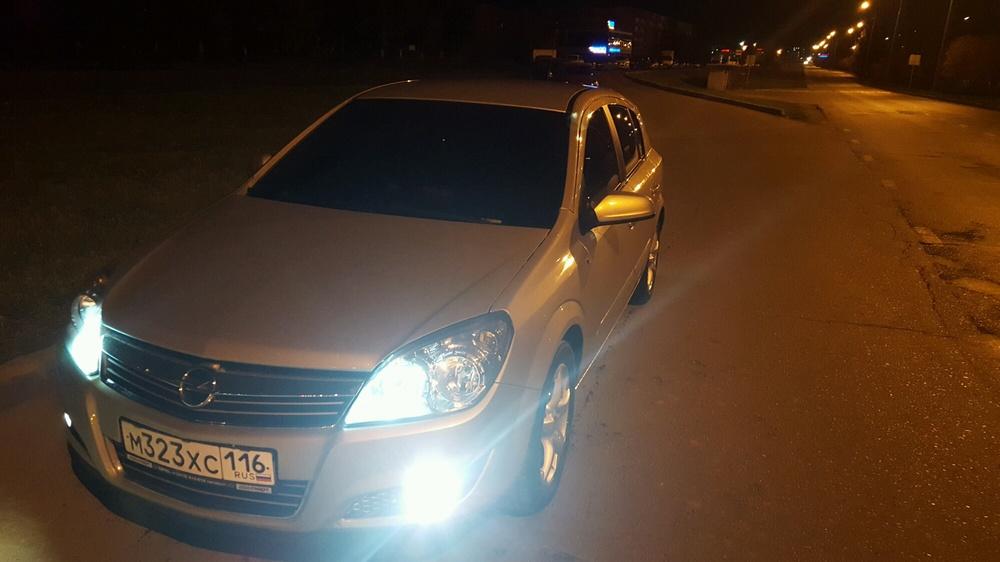 Подержанный Opel Astra, отличное состояние, бежевый металлик, 2010 года выпуска, цена 430 000 руб. в республике Татарстане