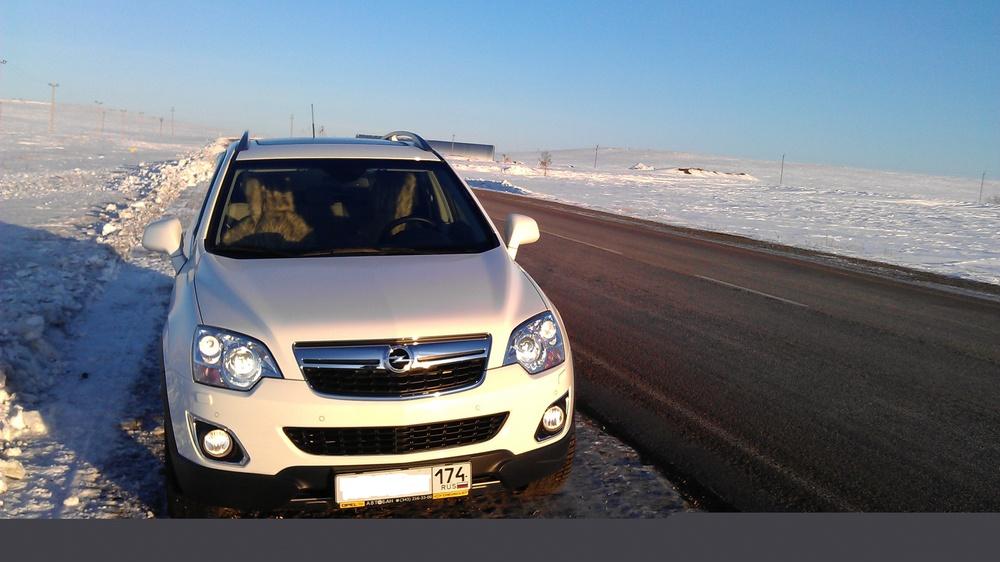 Подержанный Opel Antara, отличное состояние, белый , 2012 года выпуска, цена 1 019 999 руб. в Челябинской области