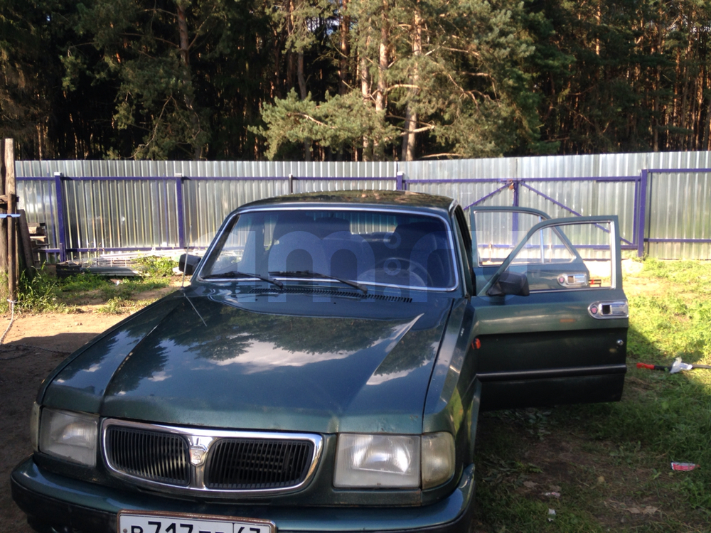 Подержанный ГАЗ 3110 Волга, хорошее состояние, зеленый , 2001 года выпуска, цена 64 000 руб. в Смоленской области