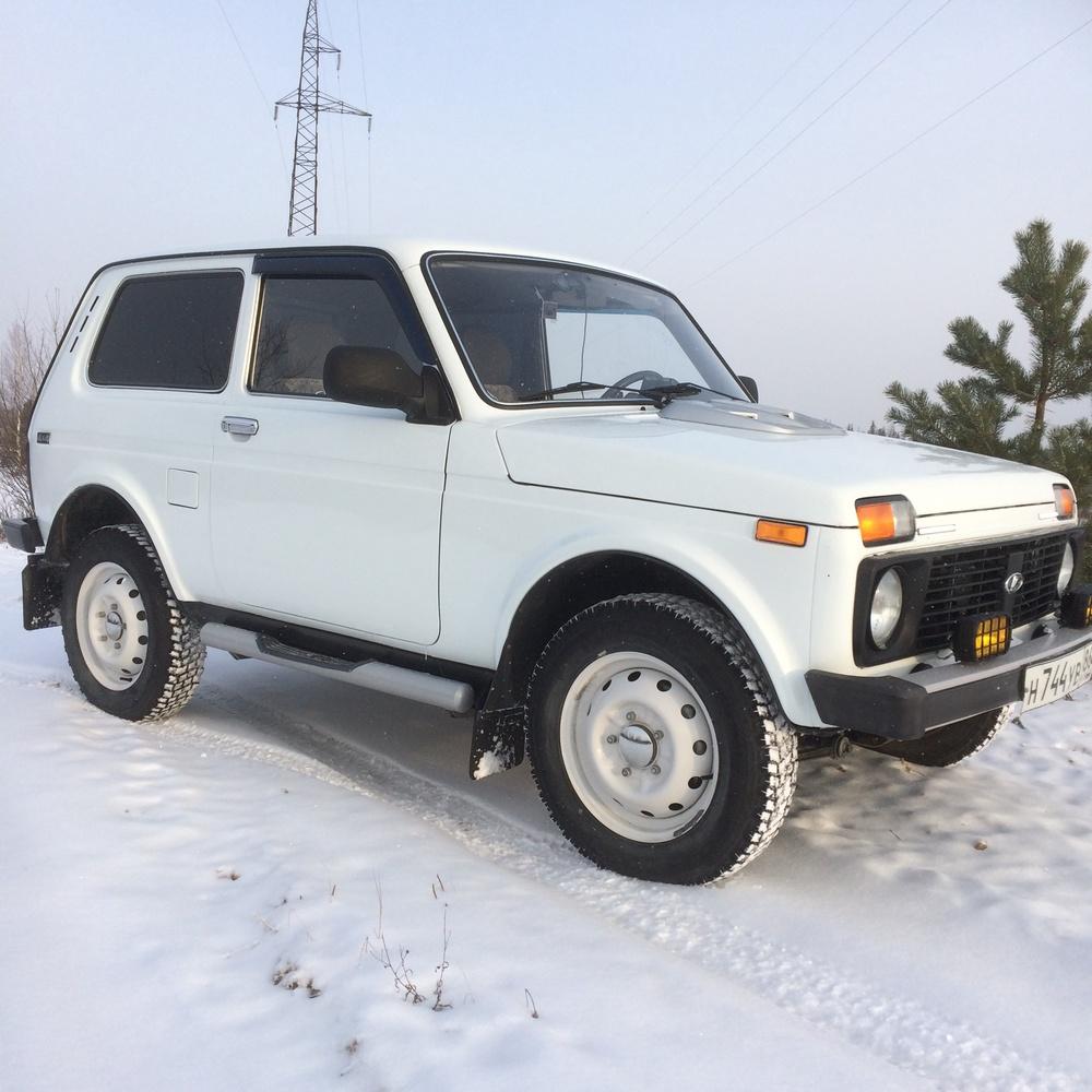 Подержанный ВАЗ (Lada) 4x4, отличное состояние, белый , 2011 года выпуска, цена 290 000 руб. в ао. Ханты-Мансийском Автономном округе - Югре