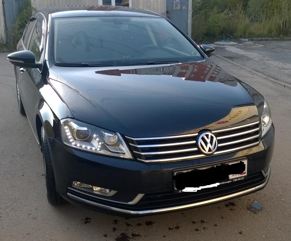 Подержанный Volkswagen Passat, отличное состояние, черный металлик, 2012 года выпуска, цена 880 000 руб. в ао. Ханты-Мансийском Автономном округе - Югре
