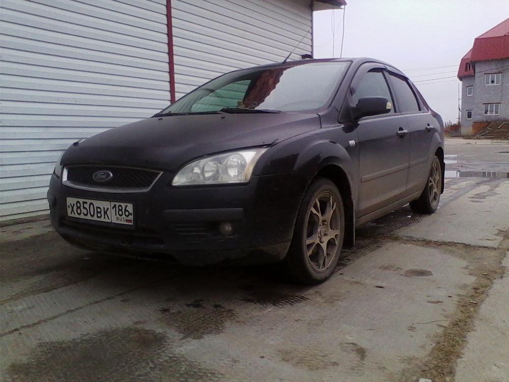Подержанный Ford Focus, хорошее состояние, черный металлик, 2007 года выпуска, цена 250 000 руб. в ао. Ханты-Мансийском Автономном округе - Югре