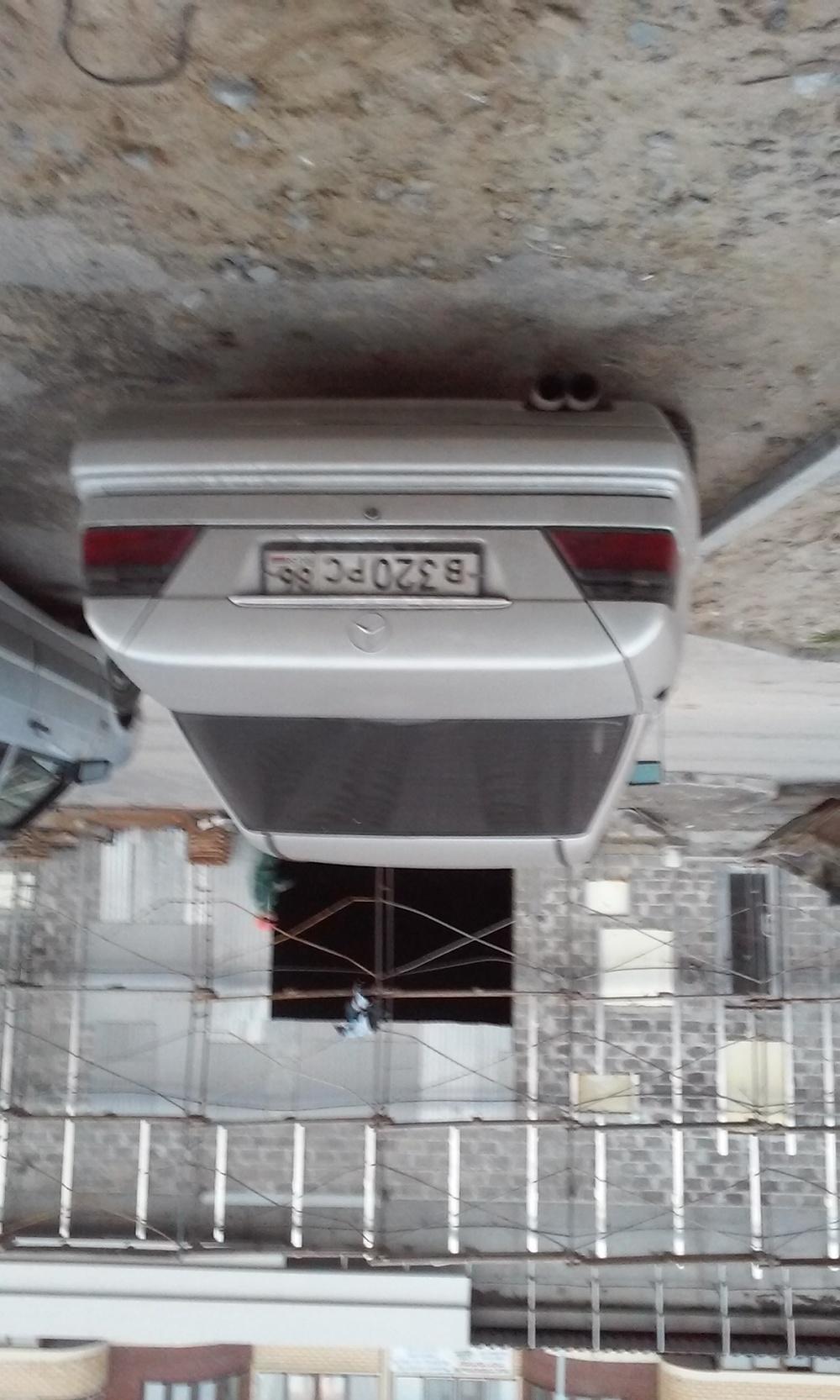 Подержанный Mercedes-Benz E-Класс, хорошее состояние, серебряный металлик, 1994 года выпуска, цена 230 000 руб. в ао. Ханты-Мансийском Автономном округе - Югре