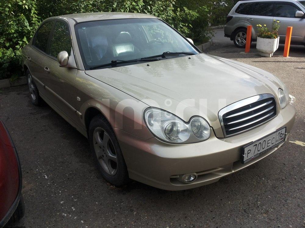 Подержанный Hyundai Sonata, хорошее состояние, сафари , 2006 года выпуска, цена 250 000 руб. в республике Татарстане