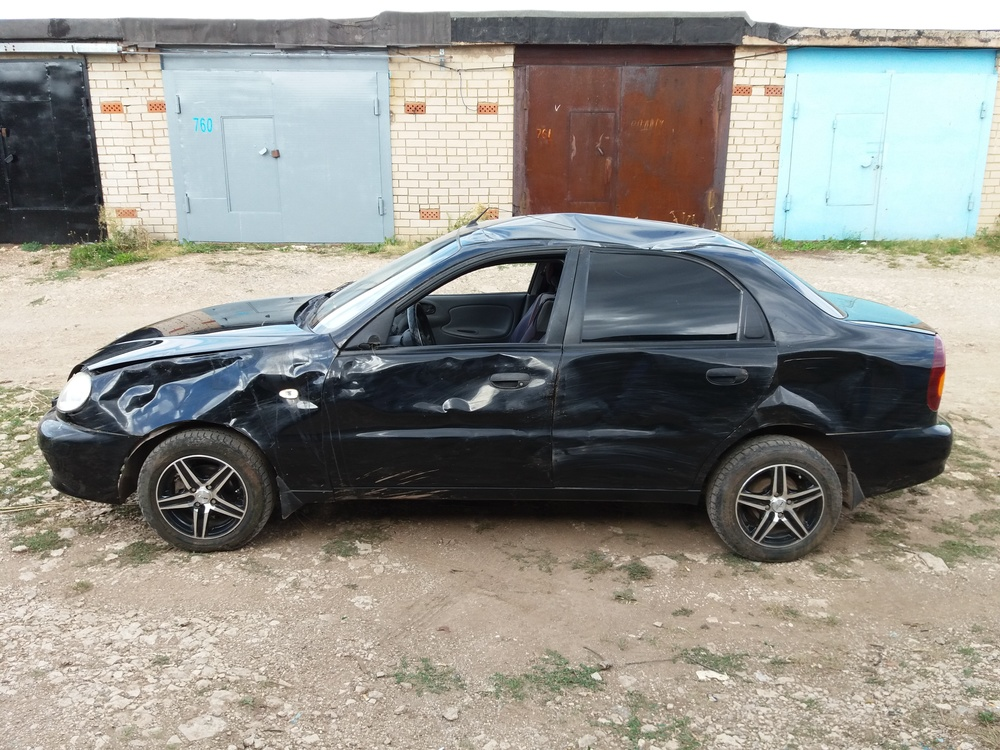 Подержанный ЗАЗ Chance, битый состояние, черный , 2012 года выпуска, цена 45 000 руб. в республике Татарстане