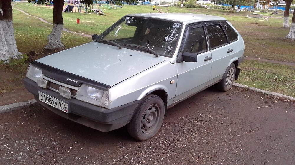 Подержанный ВАЗ (Lada) 2109, хорошее состояние, серебряный , 2002 года выпуска, цена 60 000 руб. в республике Татарстане