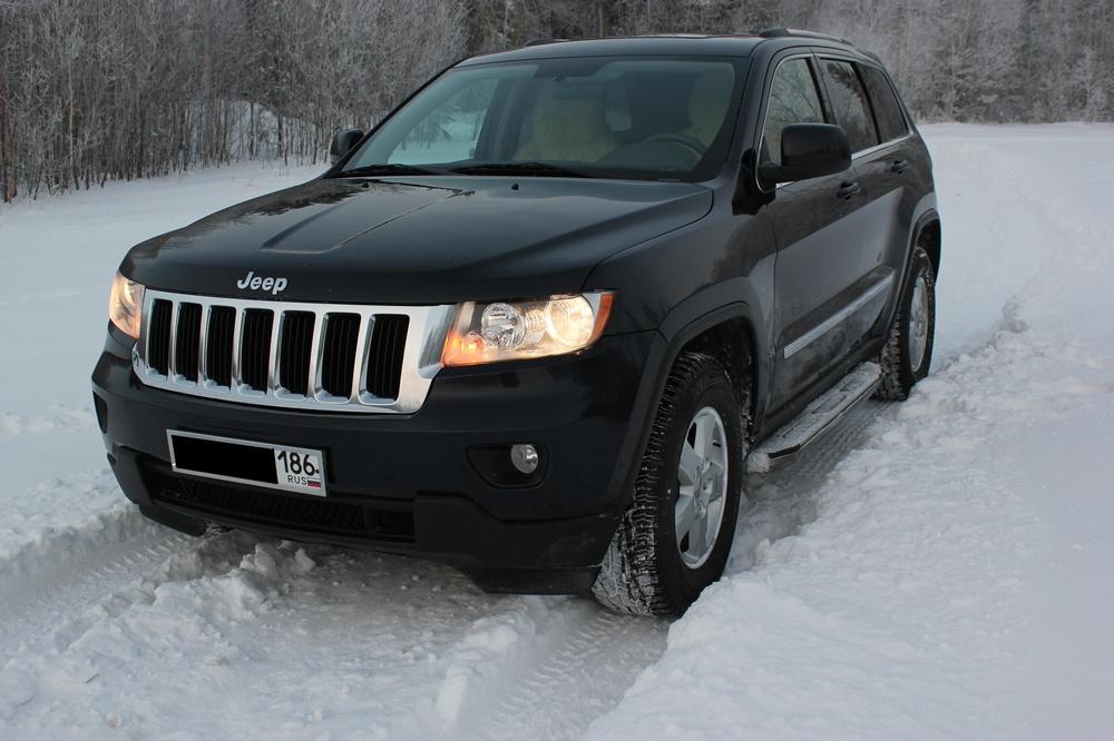 Подержанный Jeep Grand Cherokee, отличное состояние, черный перламутр, 2011 года выпуска, цена 1 330 000 руб. в ао. Ханты-Мансийском Автономном округе - Югре