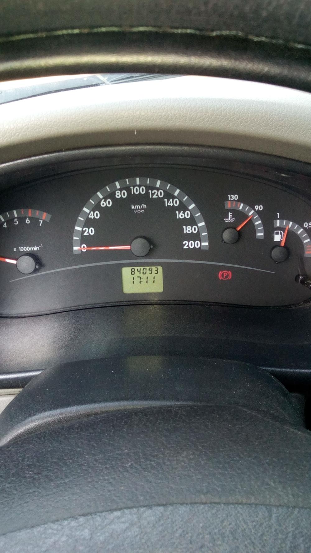 Подержанный ВАЗ (Lada) Kalina, хорошее состояние, белый , 2012 года выпуска, цена 250 000 руб. в ао. Ханты-Мансийском Автономном округе - Югре