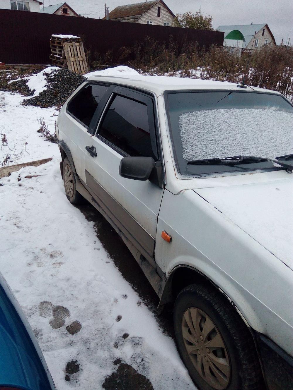 Подержанный ВАЗ (Lada) 2108, среднее состояние, белый , 1989 года выпуска, цена 17 000 руб. в Челябинской области
