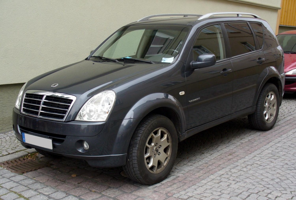 Подержанный SsangYong Rexton, хорошее состояние, черный , 2008 года выпуска, цена 650 000 руб. в Челябинской области