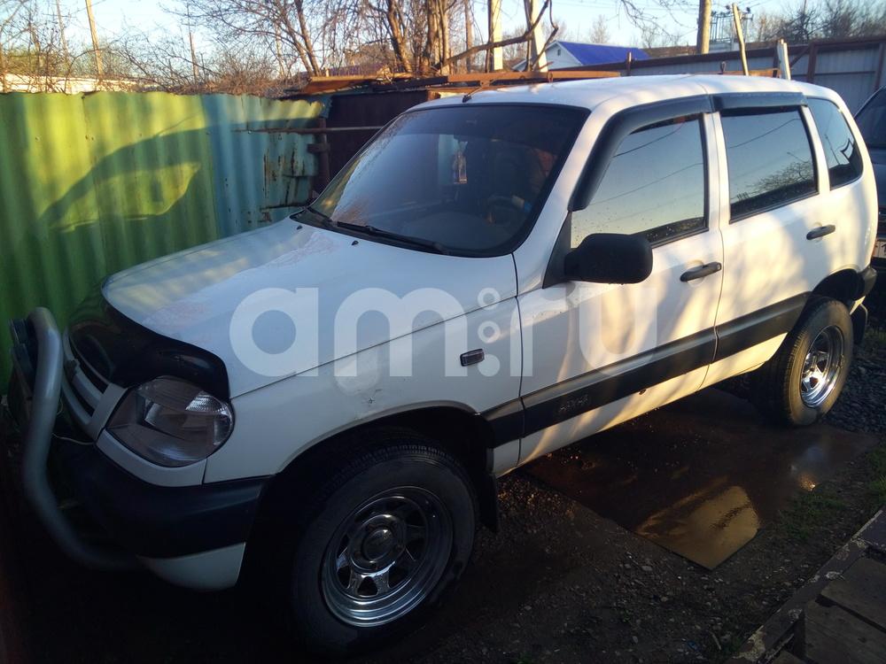 Подержанный Chevrolet Niva, хорошее состояние, белый , 2003 года выпуска, цена 150 000 руб. в республике Татарстане