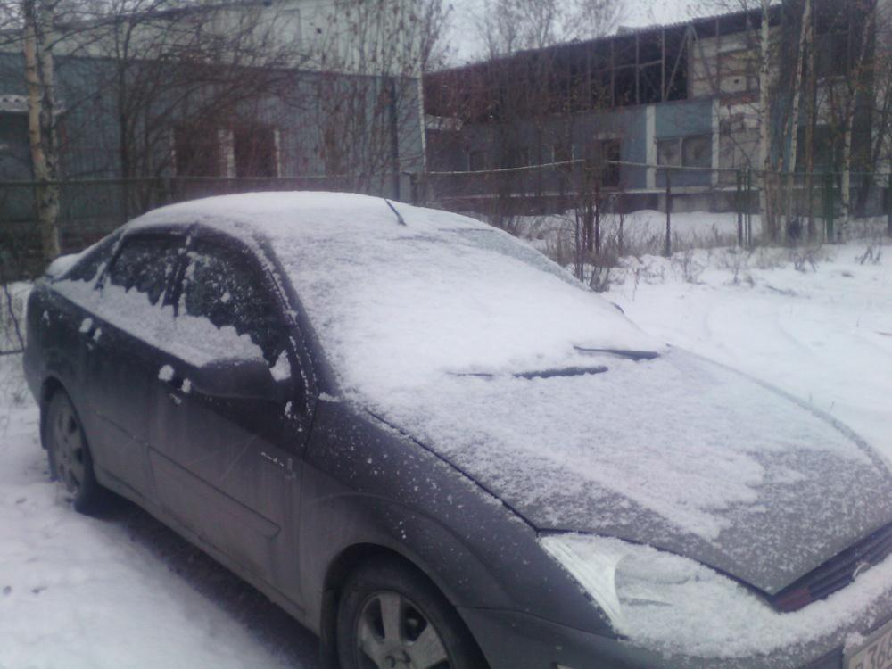 Подержанный Ford Focus, хорошее состояние, мокрый асфальт , 2002 года выпуска, цена 180 000 руб. в ао. Ханты-Мансийском Автономном округе - Югре