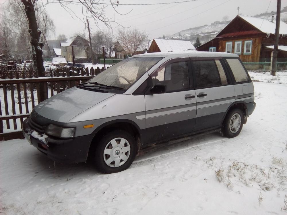 Подержанный Nissan Prairie, среднее состояние, серебряный , 1991 года выпуска, цена 100 000 руб. в Челябинской области
