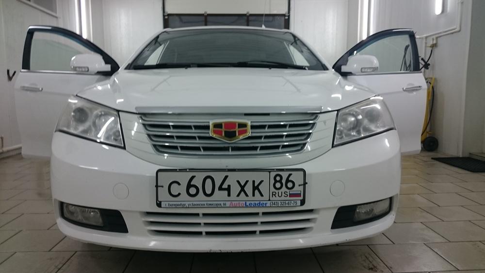 Подержанный Geely Emgrand, хорошее состояние, белый , 2012 года выпуска, цена 320 000 руб. в ао. Ханты-Мансийском Автономном округе - Югре