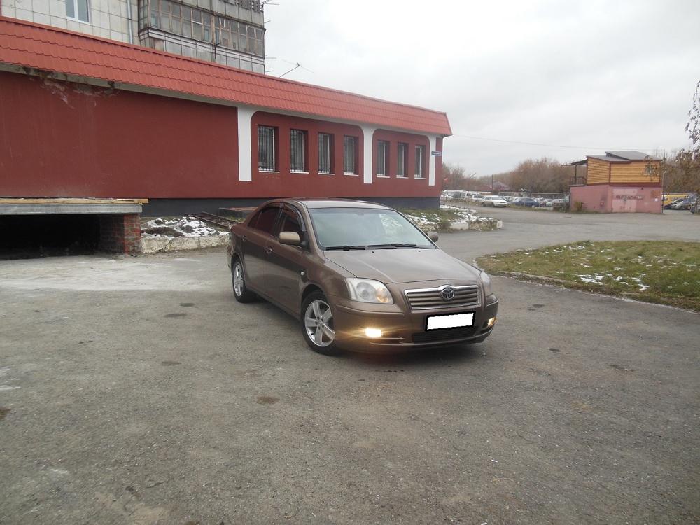 Toyota Avensis с пробегом, коричневый металлик, хорошее состояние, 2004 года выпуска, цена 445 000 руб. в автосалоне  ()