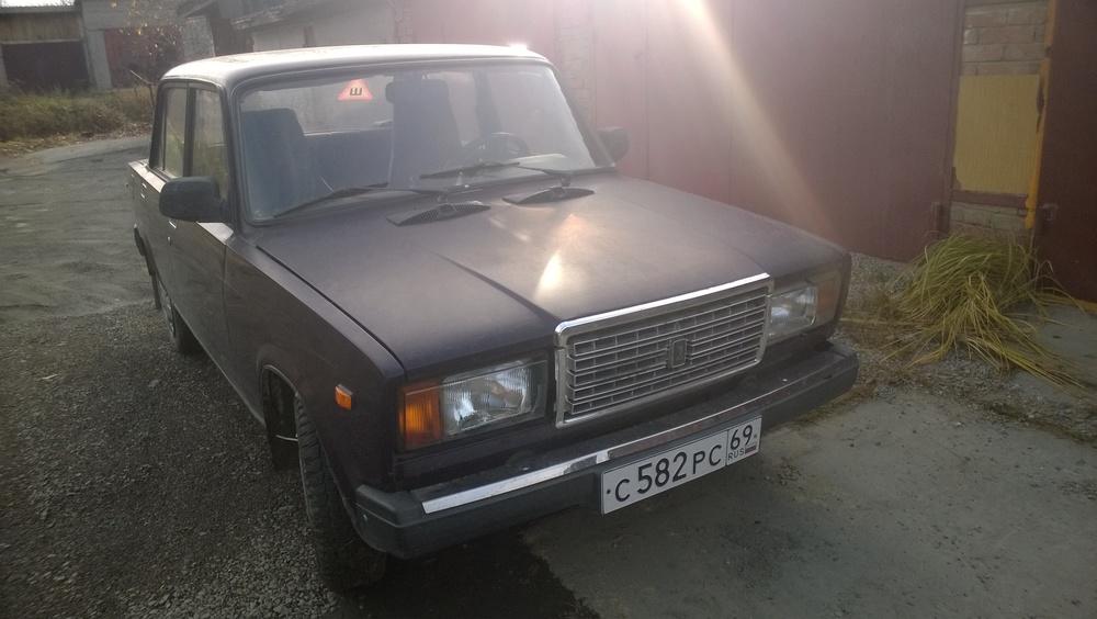 Подержанный ВАЗ (Lada) 2107, хорошее состояние, фиолетовый , 2002 года выпуска, цена 50 000 руб. в Челябинской области