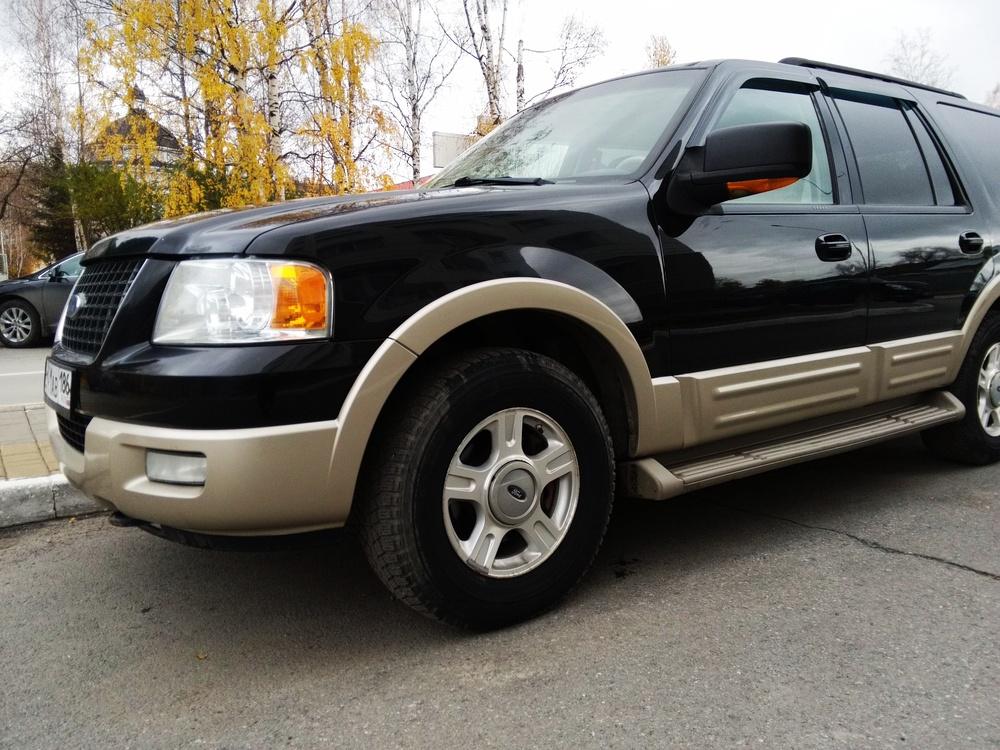 Подержанный Ford Expedition, отличное состояние, черный , 2005 года выпуска, цена 830 000 руб. в ао. Ханты-Мансийском Автономном округе - Югре