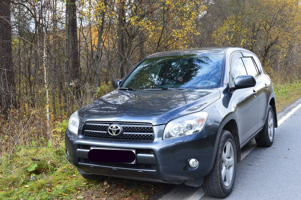 Подержанный Toyota RAV4, отличное состояние, серый металлик, 2008 года выпуска, цена 740 000 руб. в Челябинской области