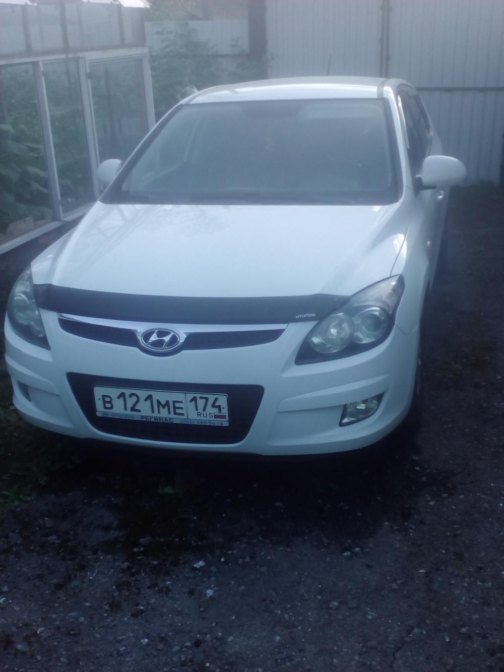 Подержанный Hyundai i30, отличное состояние, белый , 2009 года выпуска, цена 430 000 руб. в Челябинской области